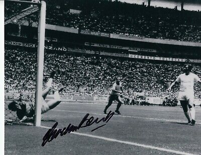 "Gordon Banks SIGNED v Pele 12x10"" photograph 70 World Cup England 1970 save"