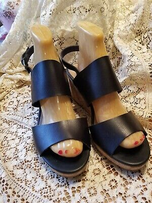1301551ec60204 GH BASS CO. Women s Black Leather Wedge Sandals Size 10M