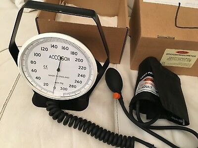 Accoson Sphygmomanometer Aneroid Desk Model/New Boxed Accoson Sphygmomanometer