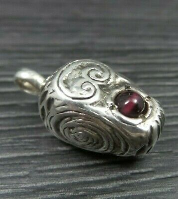 Vintage Sterling Silver English Red Stone Solid Teardrop Oval Pendant ( 1996 )