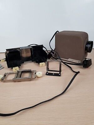 Vintage Minolta Mini 35 Slide Projector with Accessories (Not tested)