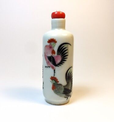 Porcelain Snuff Bottle Famille Rose 5 roosters cockerels authentic Qing Dynasty