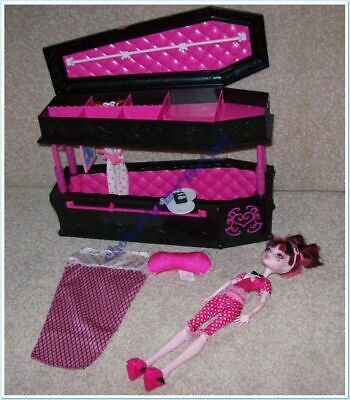 MONSTER HIGH JEWELRY BOX / JEWELERY BOX COFFIN and DEAD TIRED DRACULAURA DOLL