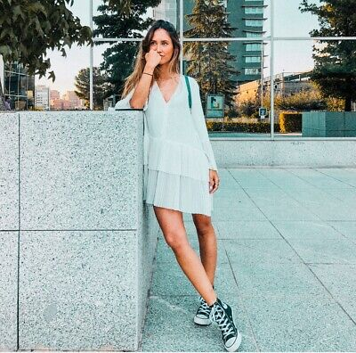 53d24e0170ae4 Zara Off-White Contrasting Pleated Blouse Dress.