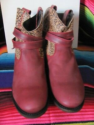 Independent Boot Company Ladies Red leopard Slip On Boots Brand New Size 9M  Roun babd2595e