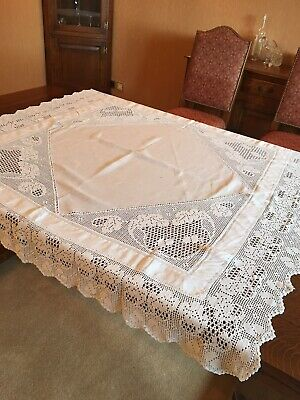 vintage Italian white heavyweight tablecloth with beautiful lace details