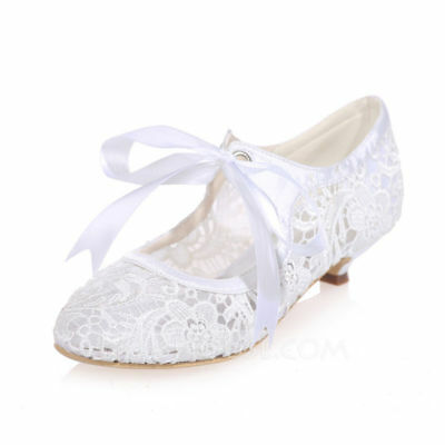 Size 8 or 39 Womens Lace Kitten Heel Closed Toe Pumps Wedding Bridal Bride Shoes
