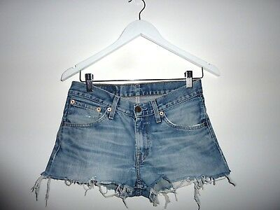 WOMENS LEVI 1980s VINTAGE CUT OFF SHORTS size 8-9