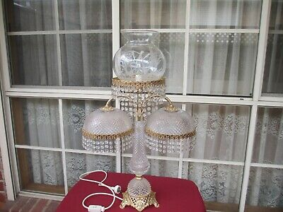 Beautiful Vintage Cut Glass? Pressed Glass? Crystal? Dome Style Lamp (Estate)