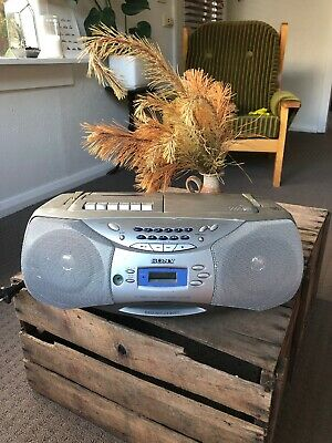 Sony CFD-S26L CD Player AM FM Radio Tape Cassette Player Boombox Retro Vintage