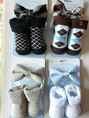 Infants Baby boys socks and bow tie gift set - 6-12 months blue brown navy grey