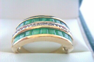 Beautiful Vintage 9ct Gold Emerald & Diamond Ladies Ring 2008