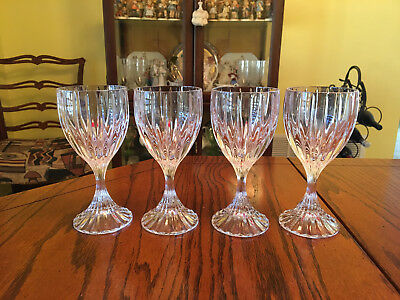 Mikasa Park Lane Crystal Wine Glasses in Great Condition. set of four