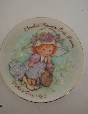3 Vintage Avon Mother's Day plates