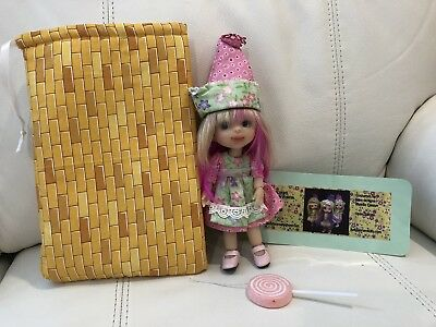 """Judy Porter Munchkin Wizard Of Oz 6"""" BJD, MDCC 2017 - Outfit, Carry Bag, Card"""