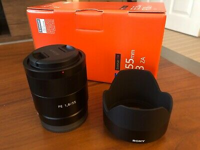 Sony Zeiss Sonnar T 55mm F/1.8 ZA FE Lens Perfect condition Including the box