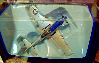 Boxed but no stand Fighting Machines Corgi CS90074 P-51D Mustang USAAF