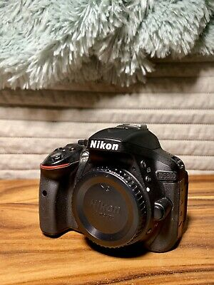 Nikon D5300 Digital SLR Camera Bundle