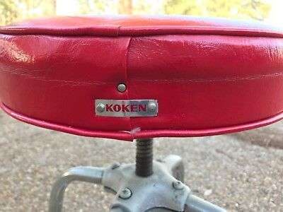 EUC RARE Vtg '60s Koken Barber Shop Chair Red STOOL Wheels Adjustable Shop Retro