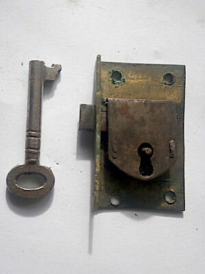 LONGCASE GRANDFATHER CLOCK  LOCK AND kEY   C1740