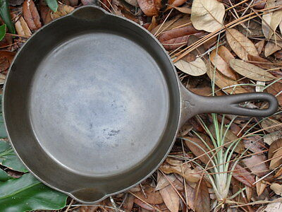 Griswold 7 Cast Iron Skillet with Heat Ring 701 A  - A User