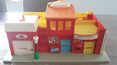fisher price -  the village restaurant - 997 - année 1973