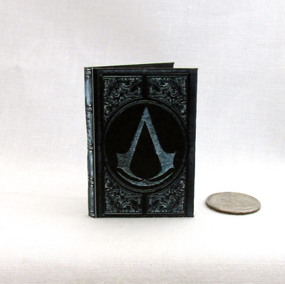 ASSASSIN'S CREED CODEX 1:6 Scale Readable Illustrated Miniature Book Altair's