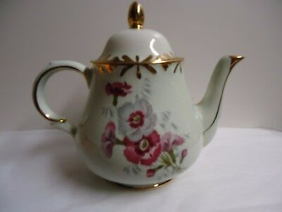 Woods and Sons  Vintage English Teapot  Arthur Wood Staffordshire England 5588