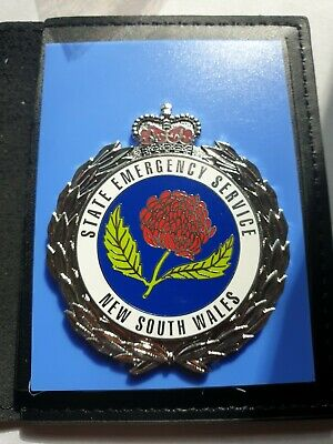 NEW SOUTH WALES  SES Staye Emergency  Service metal badge  and leather wallet