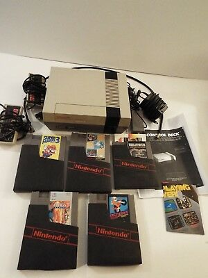 Nintendo Vtg Entertainment System-NES-Console-Controllers-5 Games-TESTED-Mario 3