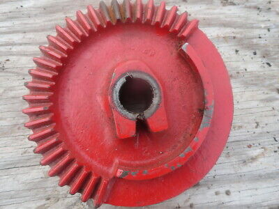 New Holland  NOS Wire Twister Drive Gear