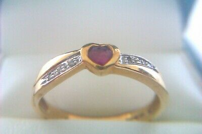 Beautiful Vintage 9ct Gold Ruby & Diamond Ladies Ring 2005
