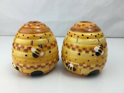 Bee Hive - Ceramic Salt and Pepper Shakers - New and Unused -