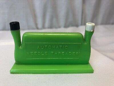 Vintage Ditta Martinelli Double Automatic Needle Threader Made in Italy green