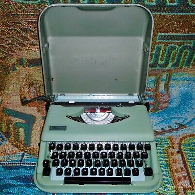 Vintage Green Antares Parva Portable Typewriter with the Case - Works Great