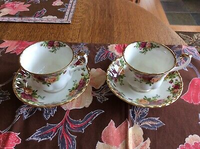 2 Royal Albert Old Country Roses Tea Cups & Saucers Bone China, Made In England