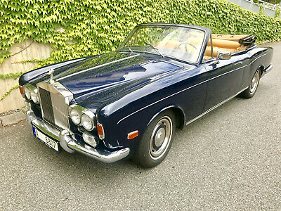 1969 Rolls-Royce Corniche  A very desirable coulour combination