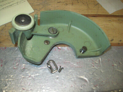 Singer Sewing Machine 185K 185J Green Bobbin Winder Assembly & Belt Guard