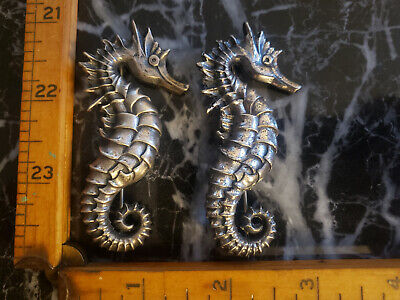 VINTAGE c1940-50S MATCHING PAIR STERLING SILVER SEAHORSE PINS GREAT DETAIL
