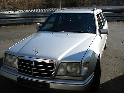 Mercedes Benz E 220 T-Model W124 Youngtimer