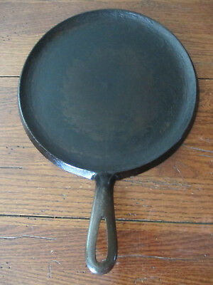 """Vtg Unknown Unbranded Round Cast Iron 9"""" Griddle H.8 Poss BSR? Red Mountain?"""