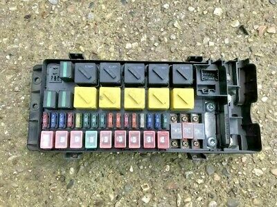 Land Rover Discovery 2 Td5 Under Bonnet Fusebox With Fuses Yqe000300