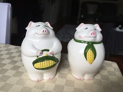 Piggy shakers, large salt & pepper shaker Pigs, corncob accents,