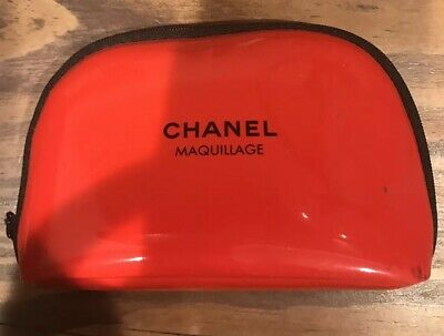 2a186ae8a004 Chanel Beaute Maquillage Cosmetic Makeup Bag *valentine Red Case Limited  Edition
