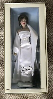 The Jackie Doll Lot X 2 Jacqueline Kennedy Franklin Mint Excellent Condition