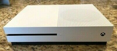Xbox One S - 500 GB - White - 3 controllers, 6 games, and charging system