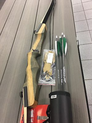 Samick Sage R/H Deluxe Recurve Bow Package w/quiver,arrows,stringer tool