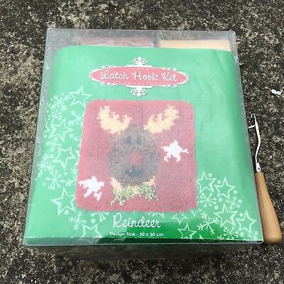 """CHRISTMAS REINDEER """"Red"""" Festive Latch Hook Embroidery Kit + Tool (30x30cm)"""