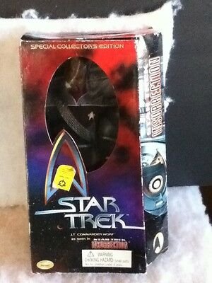 Star Trek Insurrection LT. Commander Worf Special Collector's Edition