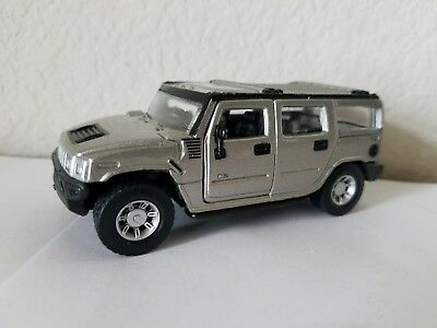 Maisto HUMMER 1:46 Scale Pull Back & Go Diecast Car SILVER